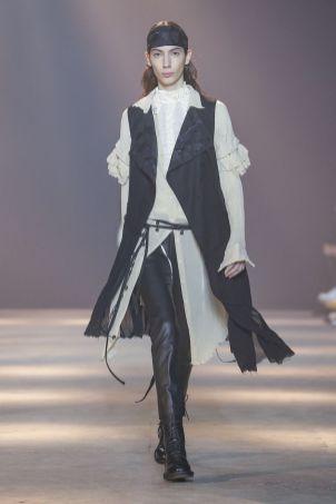 Ann Demeulemeester Menswear Fall Winter 2019 Paris19