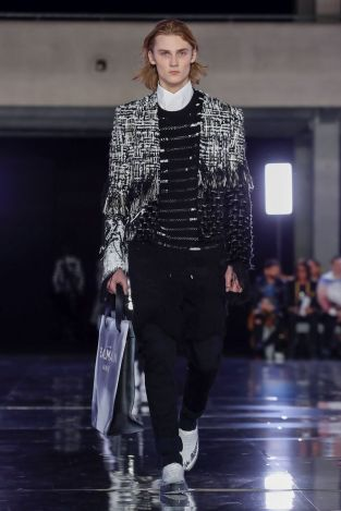 Balmain Homme Menswear Fall Winter 2019 Paris11