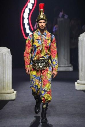 Moschino Menswear Fall Winter 2019 Rome19