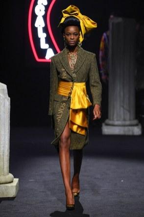 Moschino Menswear Fall Winter 2019 Rome3