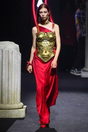 Moschino Menswear Fall Winter 2019 Rome4