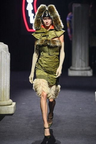 Moschino Menswear Fall Winter 2019 Rome41