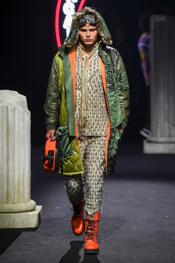 Moschino Menswear Fall Winter 2019 Rome44