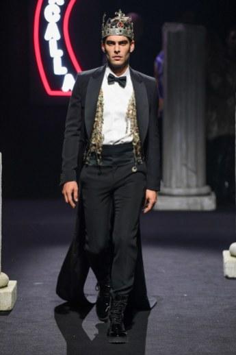 Moschino Menswear Fall Winter 2019 Rome53