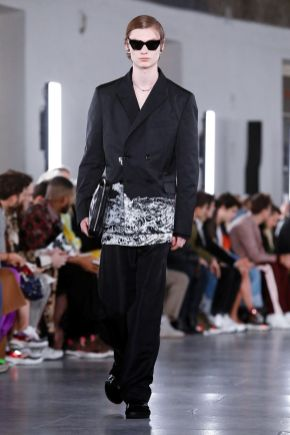 Valentino Menswear Fall Winter 2019 Paris15