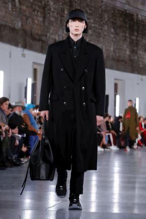 Valentino Menswear Fall Winter 2019 Paris33