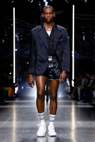 Versace Menswear Fall Winter 2019 Milan15