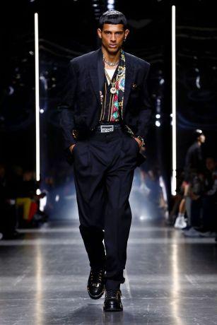 Versace Menswear Fall Winter 2019 Milan16
