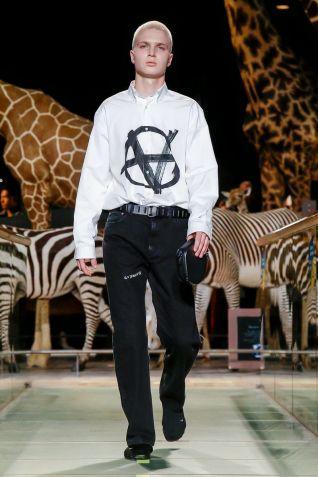 Vetements Ready To Wear Fall Winter 2019 Paris54
