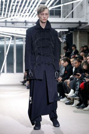 Yohji Yamamoto Menswear Fall Winter 2019 Paris17
