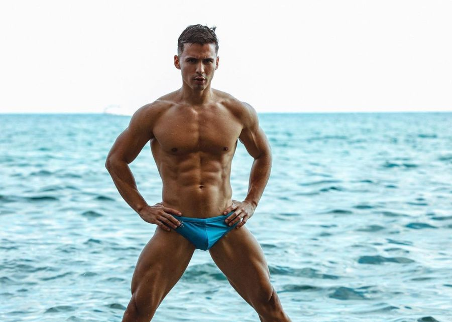 Ocean Splash with Sexy Stefan Chavarriaga Pictures by Alejandro Brito