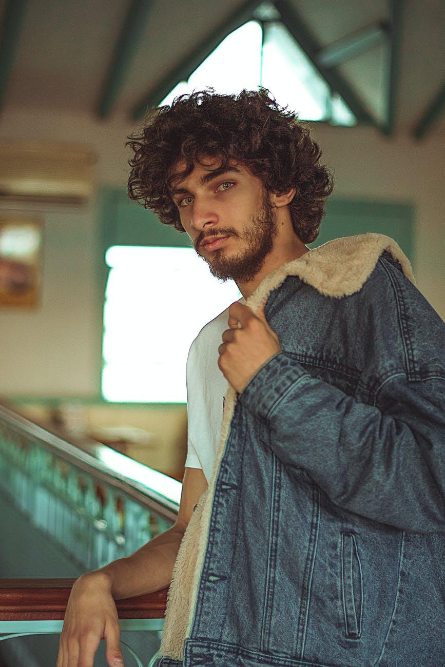 man wearing jacket. Photo by Wellington Lacerda on Pexels.com