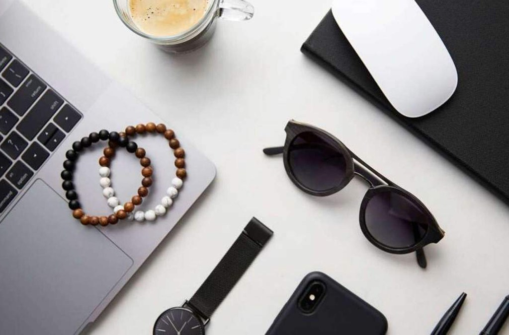 4 Essential Spring Accessories Online for Men