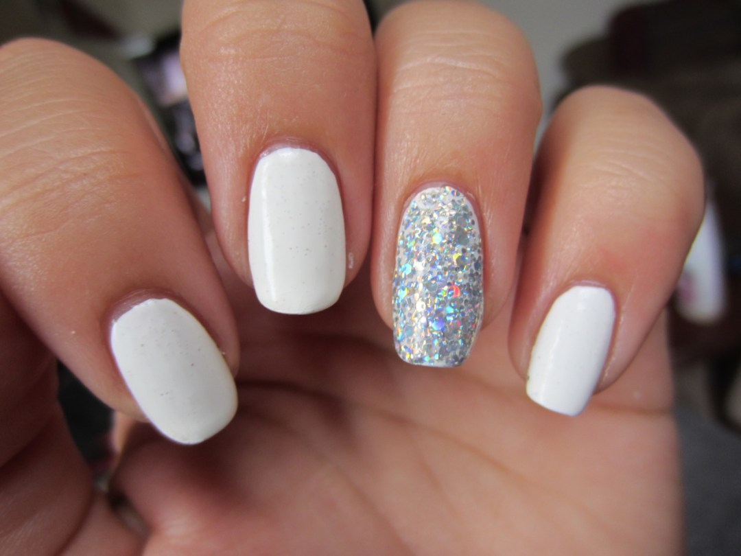 HOW TO MASTER THE ART OF THE AT HOME GEL MANICURE - Fashion & Beauty Inc