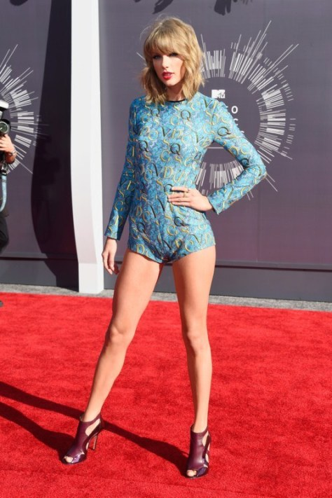 taylor-swift-2014-mtv-vmas-mary-katrantzou-romper-elie-saab-shoes