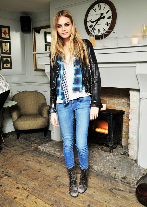 cara-delevingne-stylechi-blue-turquoise-checked-shirt-light-blue-jeans-lace-up-boots-leather-jacket