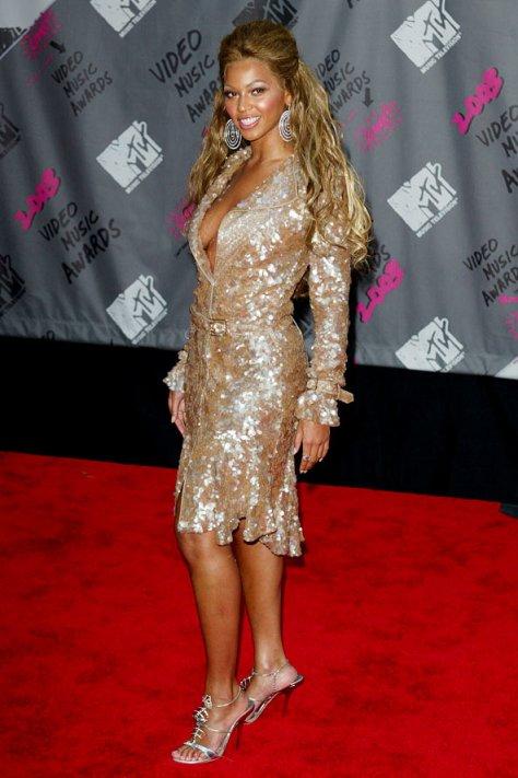 Beyonce11_gl_10oct11_pa_1