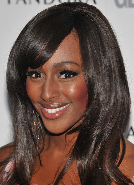 Alexandra+Burke+Makeup+False+Eyelashes+_TXXjWJeORKl