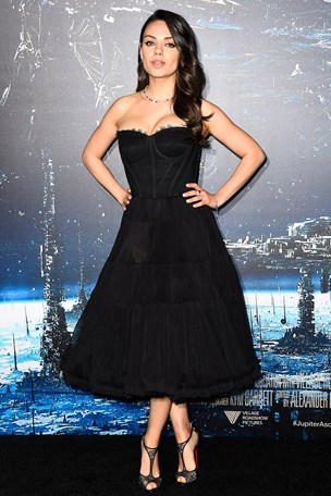 Mila-Kunis_glamour_3feb15_getty_b_304x456