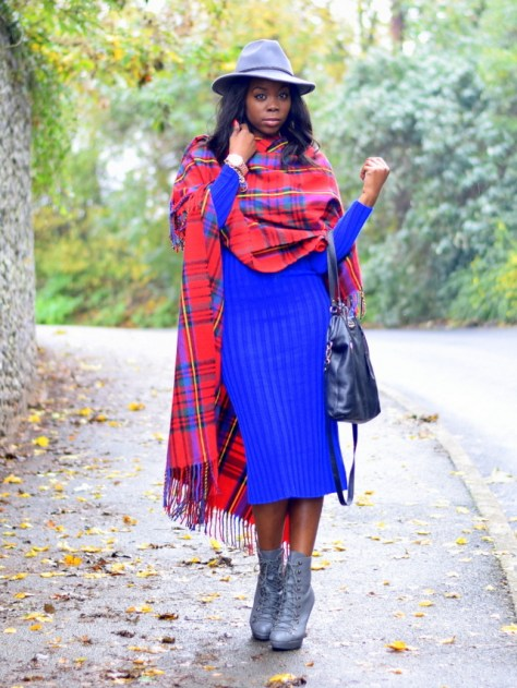 epiphanniea_london_fashion_blogger_ootd_grey_fedora_newlook_tartan_print_blanket_cape_asos_blue_rib_knit_midi_dress_claires_accessories_rose_gold_watch_sailor_charm_bracelet_black_leather_tote_bag_office_grey_military_boots