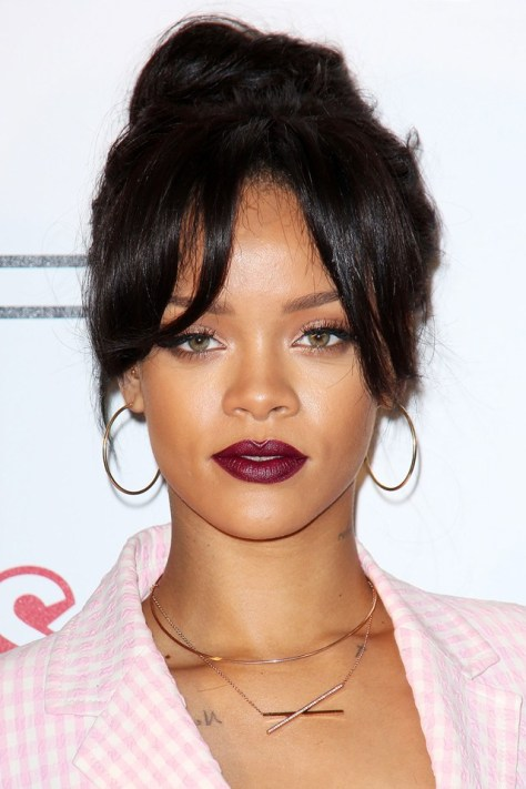 Rihanna2_glamour_19nov14_rex_b_640x960