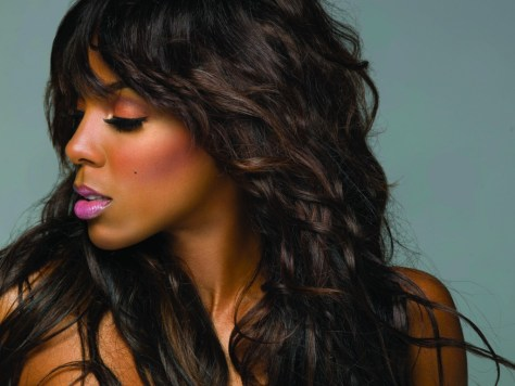 Kelly-Rowland-in-Soft-Pink-Lips