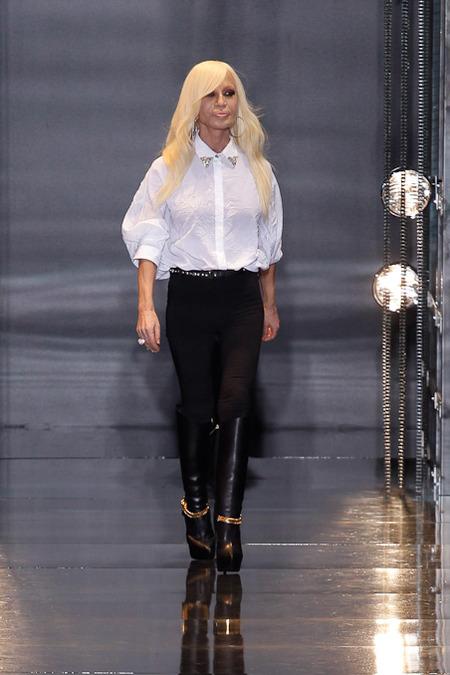 donatella-versace-versace-fall-2014-menswear-show-versace-pre-fall-2014-blouse-boots