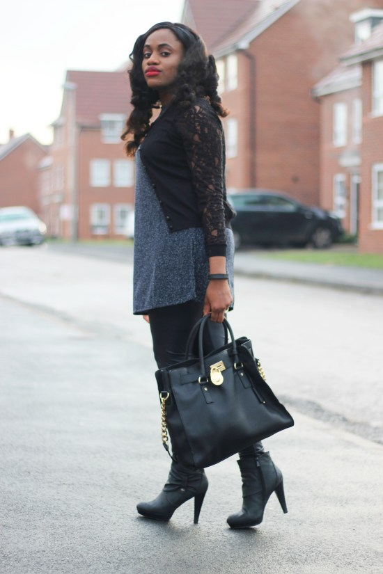 Outfit Post Leather Leggings Image
