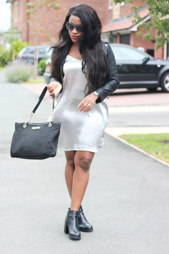 Black and grey Outfit Image