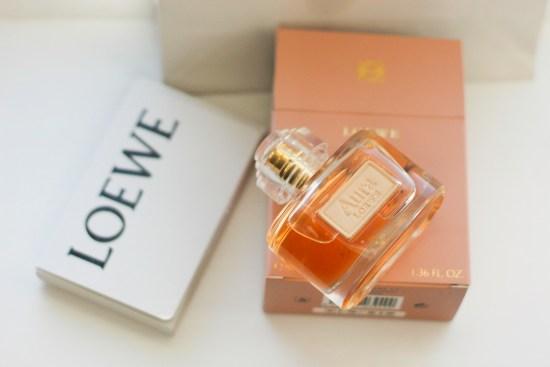 Aura LOEWE Perfume Image