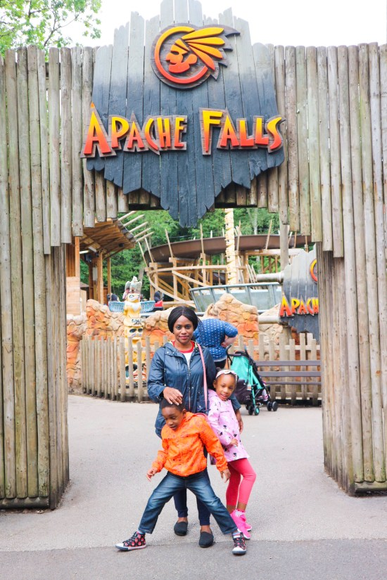 Apache Falls Gulivers Theme Park Image