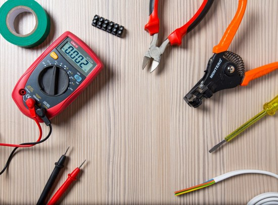 5 Benefits to Hiring Electricians in San Diego picture