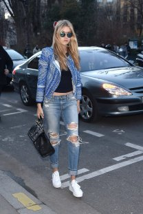 Gigi-styled-boyfriend-jeans-sneakers-statement-jacket