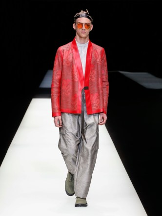 fwmi13.38com-fashion-week-milan-s-s-2018-emporio-armani-men-s-collection-highres