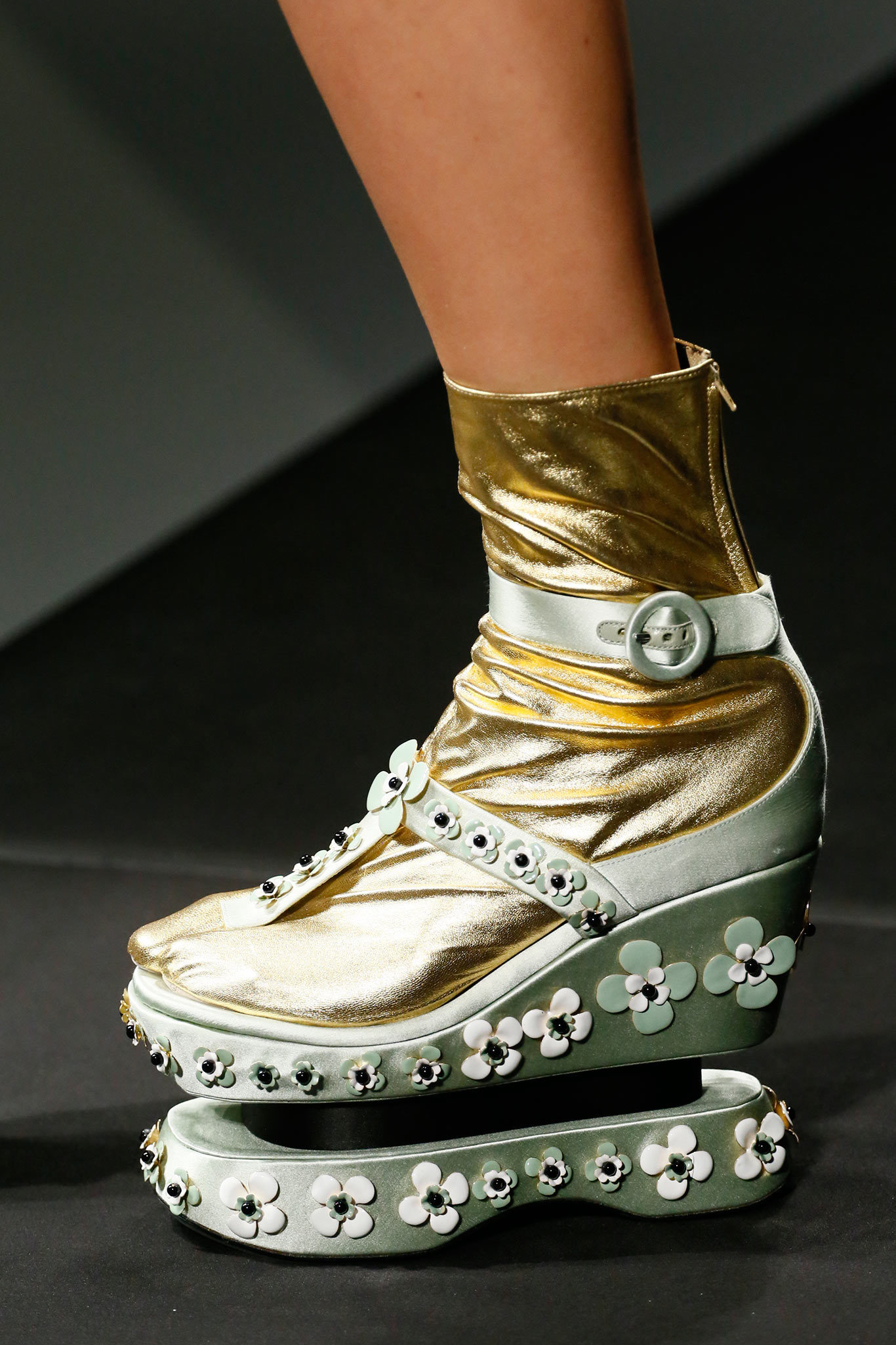 prada-spring-2013-detail-shoes
