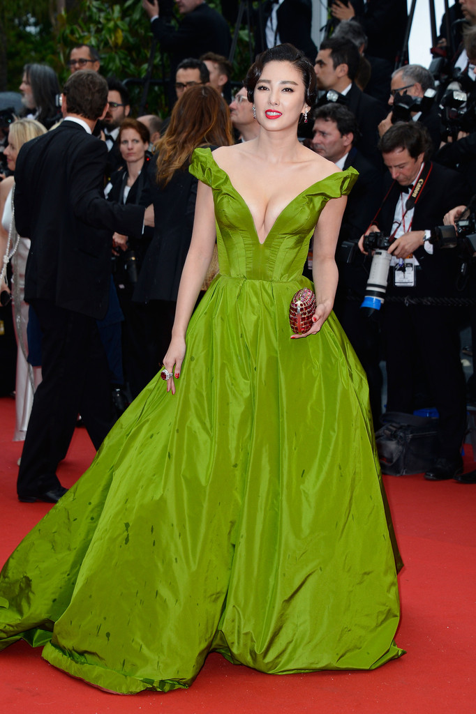 zhang-yuqi-66th-annual-cannes-film-festival-opening-ceremony-ulyana-sergeenko-couture-gown