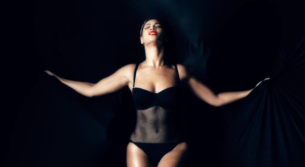 beyonce ghost video black mesh swimsuit seafolly fashion bomb daily best fashion blog