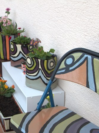 DIY Patio Chairs and Matching DIY Flower Pots