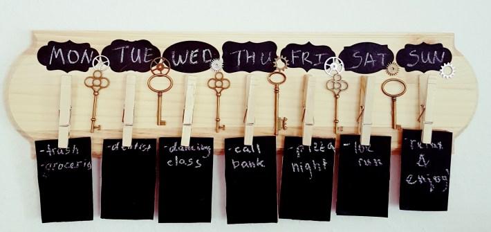 Easy DIY Projects, DIY Weekly Calendar