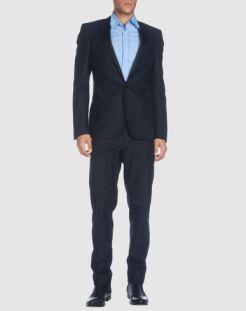 COSTUME-NATIONAL-HOMME-suit-in-BLACK-we-still-love-BOYS-too-on-www.fashiondailymag.com-brigitte-segura