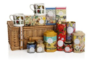 TEA-and-JAM-from-CRABTREE-and-evelyn-in-HOME-FOR-THE-HOLIDAYS-on-fashiondailymag1
