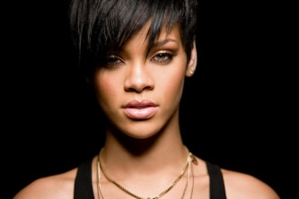Rihanna_Bow-036-in-style-icons-of-2010-on-fashion-daily-mag