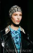 35-PRADA-FW2011-MILAN-fdm-runway-selection-brigitte-segura-photo-nowfashion.com-on-fashiondailymag