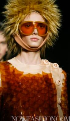 39-PRADA-FW2011-MILAN-fdm-runway-selection-brigitte-segura-photo-nowfashion.com-on-fashiondailymag