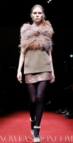 5-UNDERCOVER-f2011-PARIS-mar-2-selection-brigitte-segura-photos-nowfashion-on-fashiondailymag