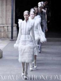 ALEXANDER-McQUEEN-FALL-2011-paris-runway-selection-brigitte-segura-photo-4-nowfashion.com-on-fashion-daily-mag