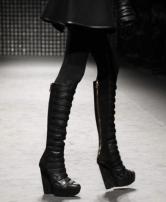 GARETH-PUGH-BOOTS-from-runway-PARIS-F2011-photo-nowfashion.com-on-fashiondailymag