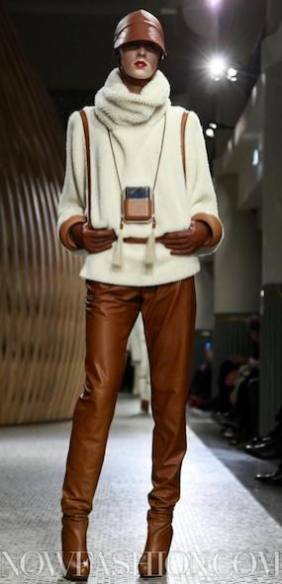HERMES-F2011-paris-runway-photo-nowfashion.com-on-fashiondailymag.com-brigitte-segura