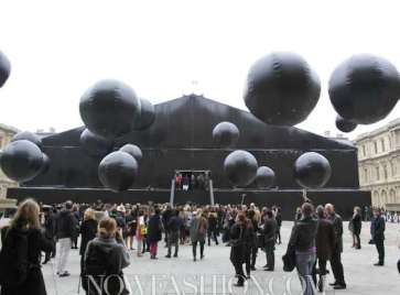 LOUIS-VUITTON-ATMOSPHERE-Fall-2011-paris-by-nowfashion.com-on-FashionDailyMag.com-brigitte-segura