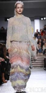 MISSONI-F2011-runway-milan-photo-19-nowfashion.com-on-fashiondailymag.com-brigitte-segura